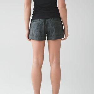 Lululemon Spring Break Away Shorts Gray 4